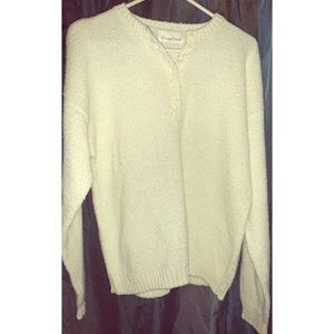 CARRIAGE COURT Sweater.